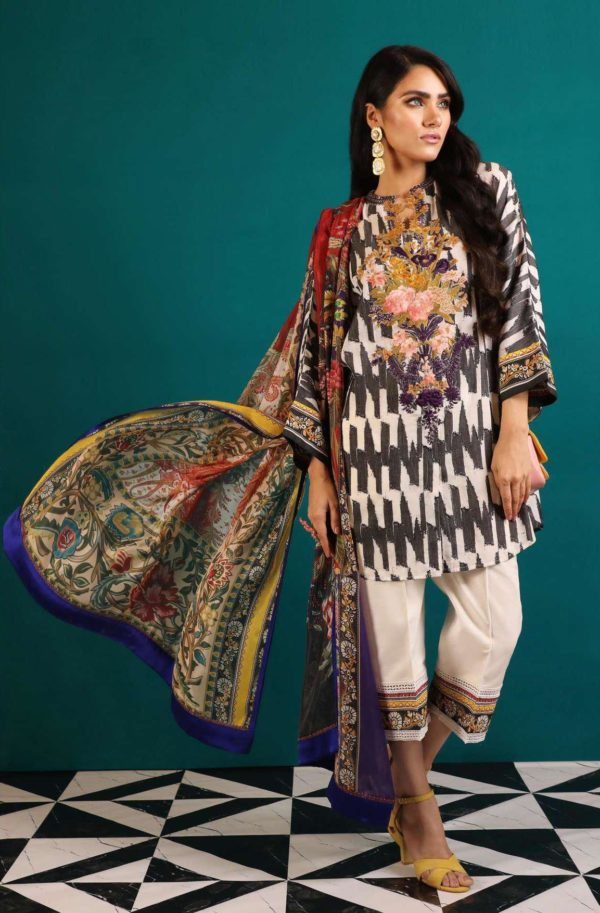 Wishcart-Pakistanisuits-Sana Safinaz Fall Embroidered Cambric 2019 06