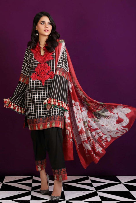 Wishcart-Pakistanisuits-Sana Safinaz Fall Embroidered Cambric 2019 01
