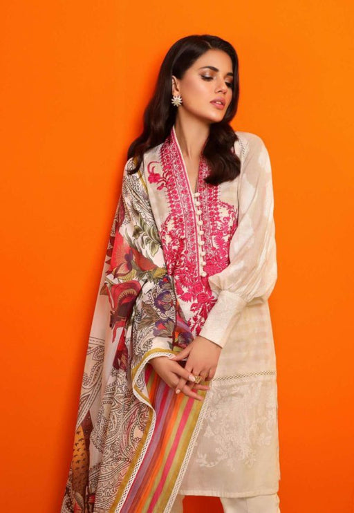 Wishcart-Pakistanisuits-Sana Safinaz Fall Embroidered Cambric 2019 03