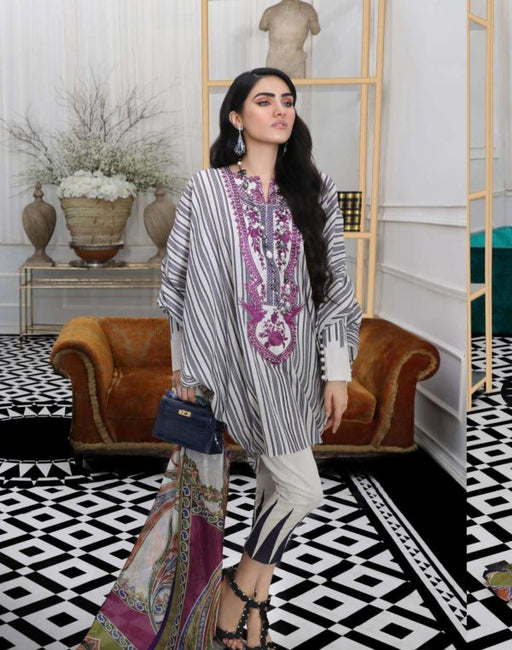 Wishcart-Pakistanisuits-Sana Safinaz Fall Embroidered Cambric 2019 04