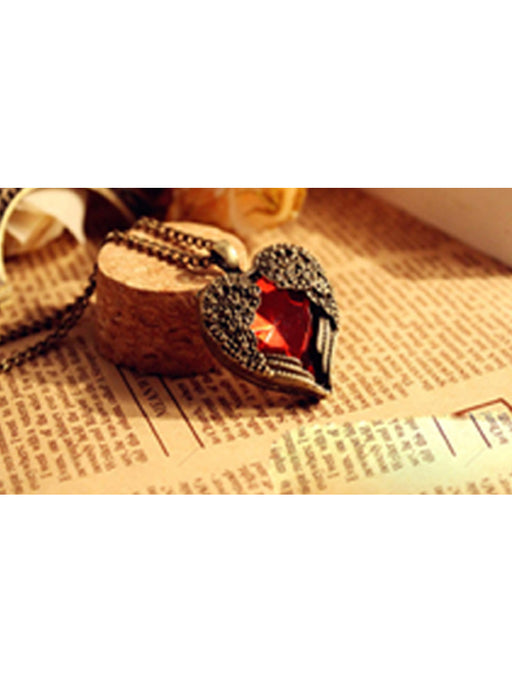Heart wing pendant necklace@wishcart.in