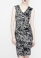 La Petite S Black and white animal print v-neck dress la petite s*****
