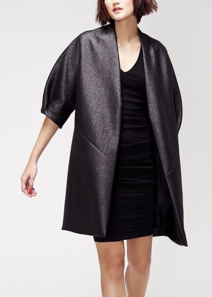 black coat with ¾-sleeves