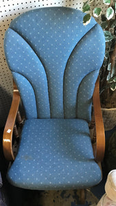 Great Selection of Used Recliners and Chairs