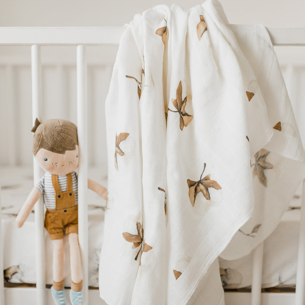 "Organic cotton muslin swaddle ""COTTON FLOWERS"""