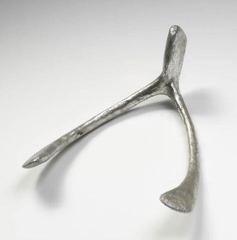 Wishbone Sculpture design by Cyan Design