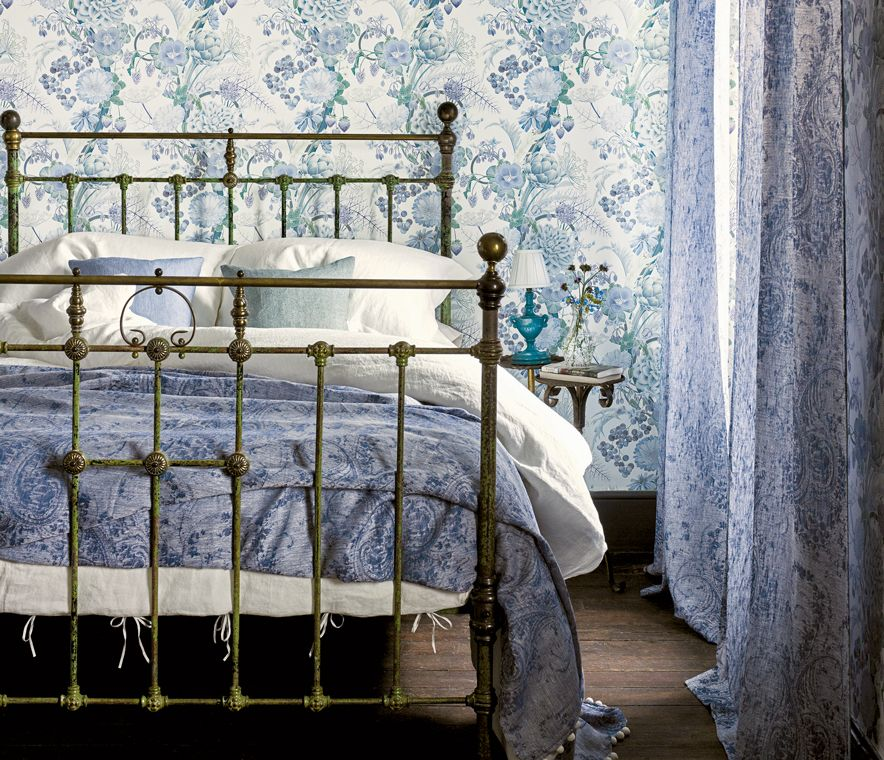 Carlotta Wallpaper in ash gray from the Manarola Collection by Osborne & Little