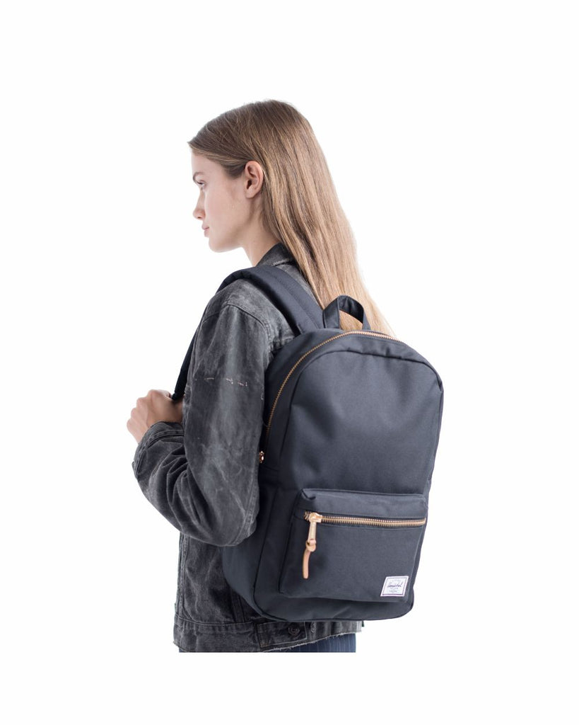 Settlement Backpack Mid-Volume in Black