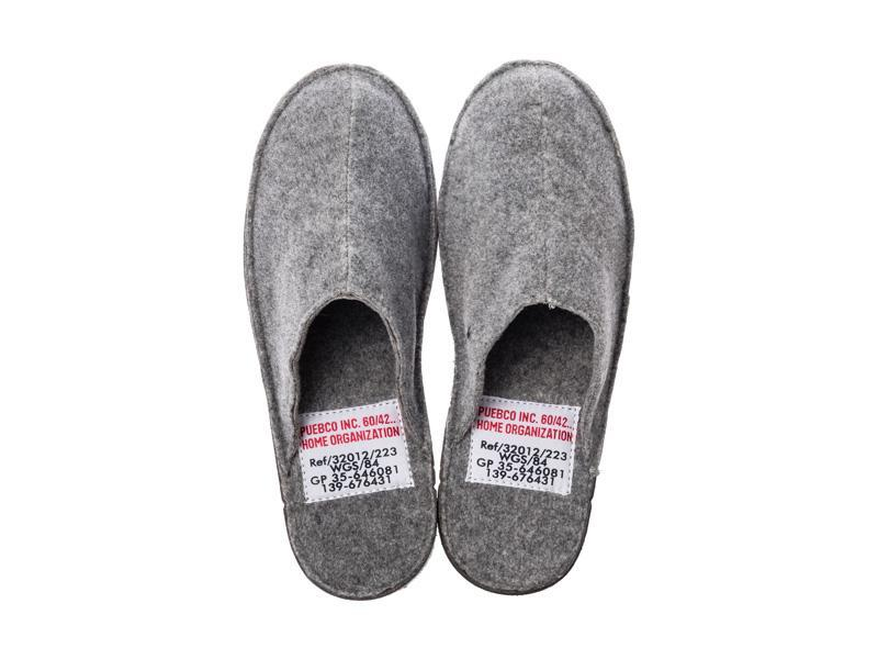 Slippers - Small/Light Grey