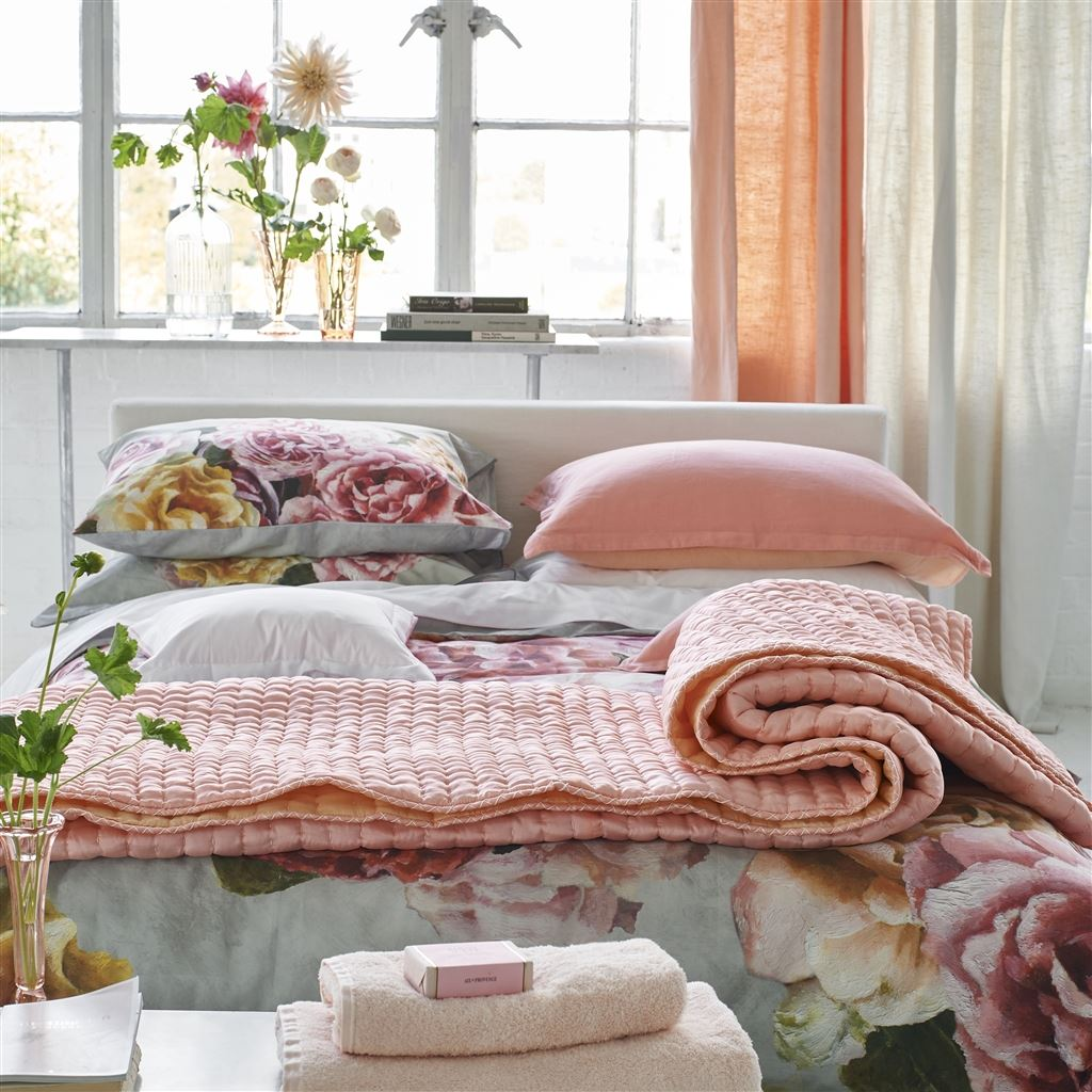 Chenevard Blossom & Peach Quilts & Pillowcases