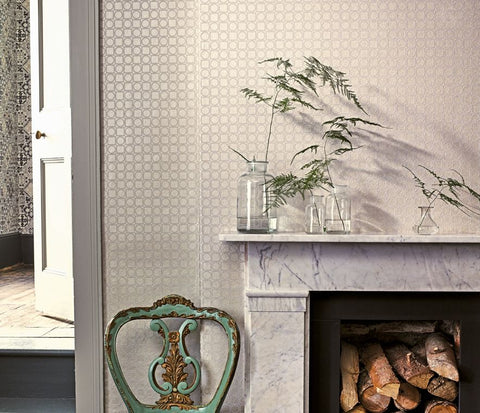 Toto Wallpaper in light gray from the Manarola Collection by Osborne & Little