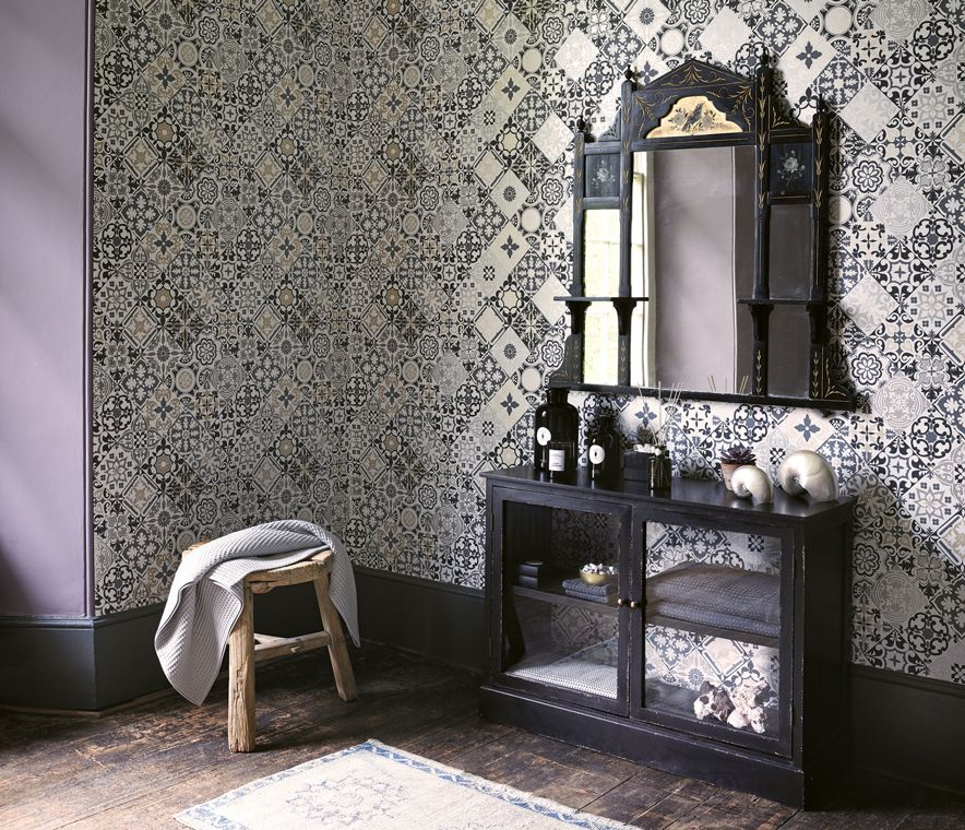 Cervo Wallpaper in black and gray from the Manarola Collection by Osborne & Little