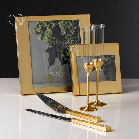 Love Knots Gold Toasting Flute, Pair by Vera Wang