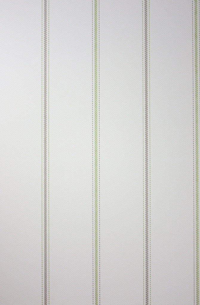 Sample Strome Wallpaper in Silver from the Braemar Collection by Nina Campbell