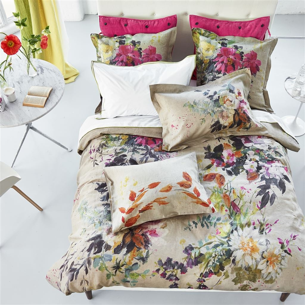 Aubriet Fuchsia Bedding design by Designers Guild