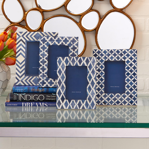 "Blue and White Modern 4"" x 6"" Bone Mosaic Photo Frame"