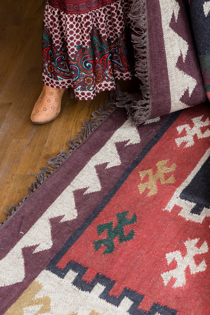 Amman Geometric Rug in Zinfandel & Wood Thrush design by Jaipur Living