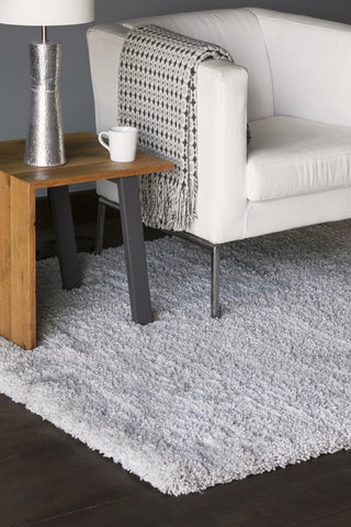 Bella Collection Hand-Woven Area Rug in Grey