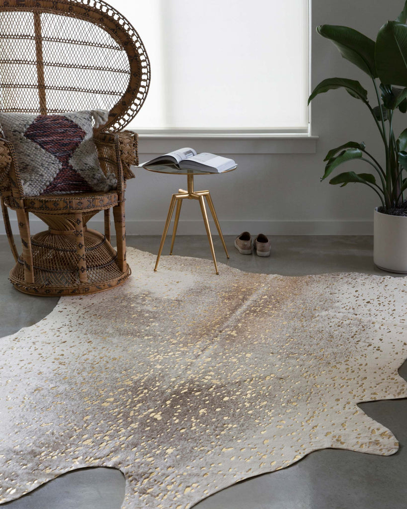 Bryce Rug in Pewter & Gold design by Loloi