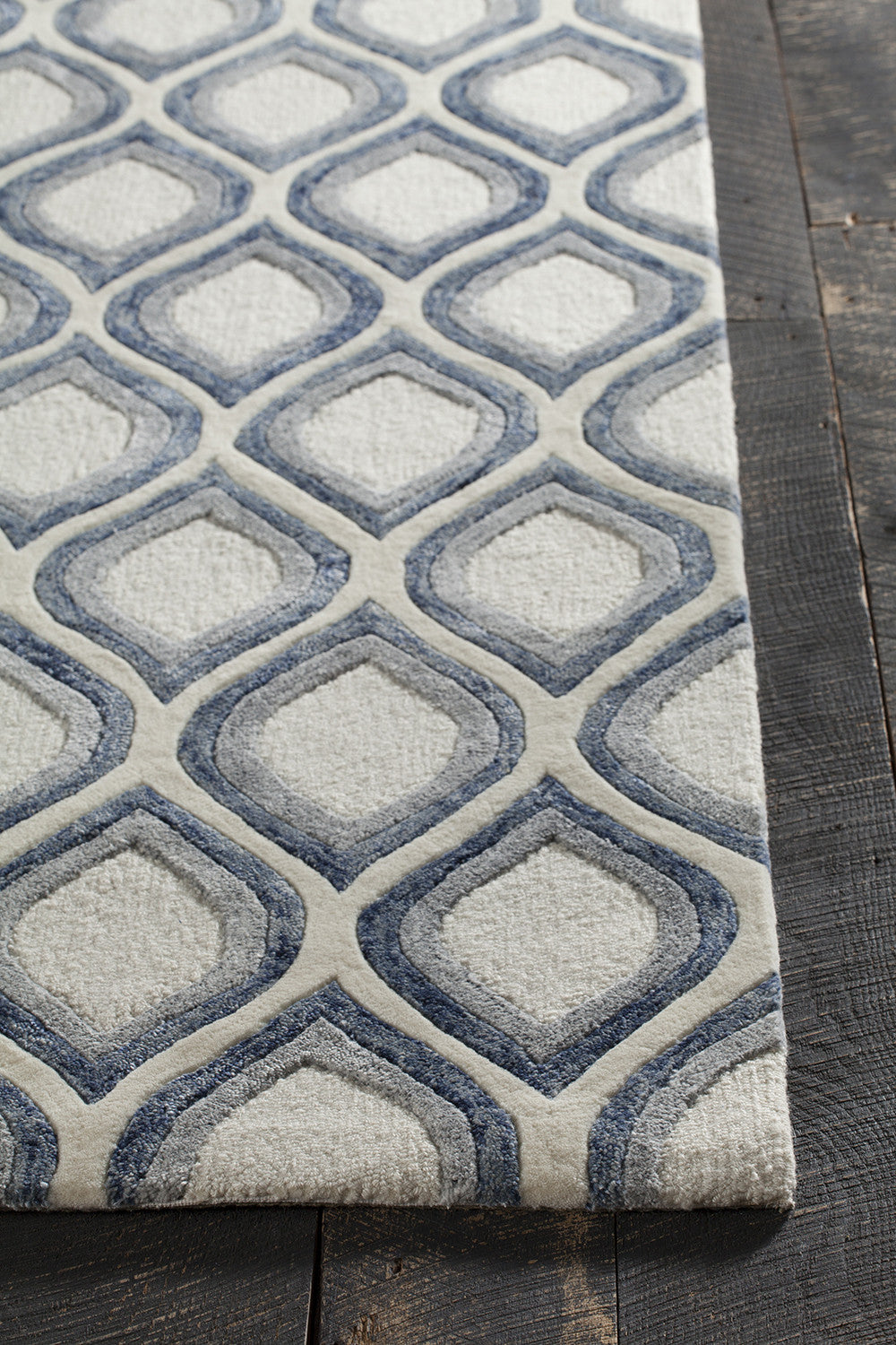 Clara Collection Hand Tufted Area Rug In White Grey