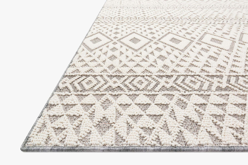 Cole Indoor/Outdoor Rug in Silver & Ivory by Loloi