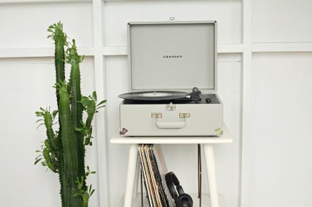 Anthology Portable Turntable - Gray