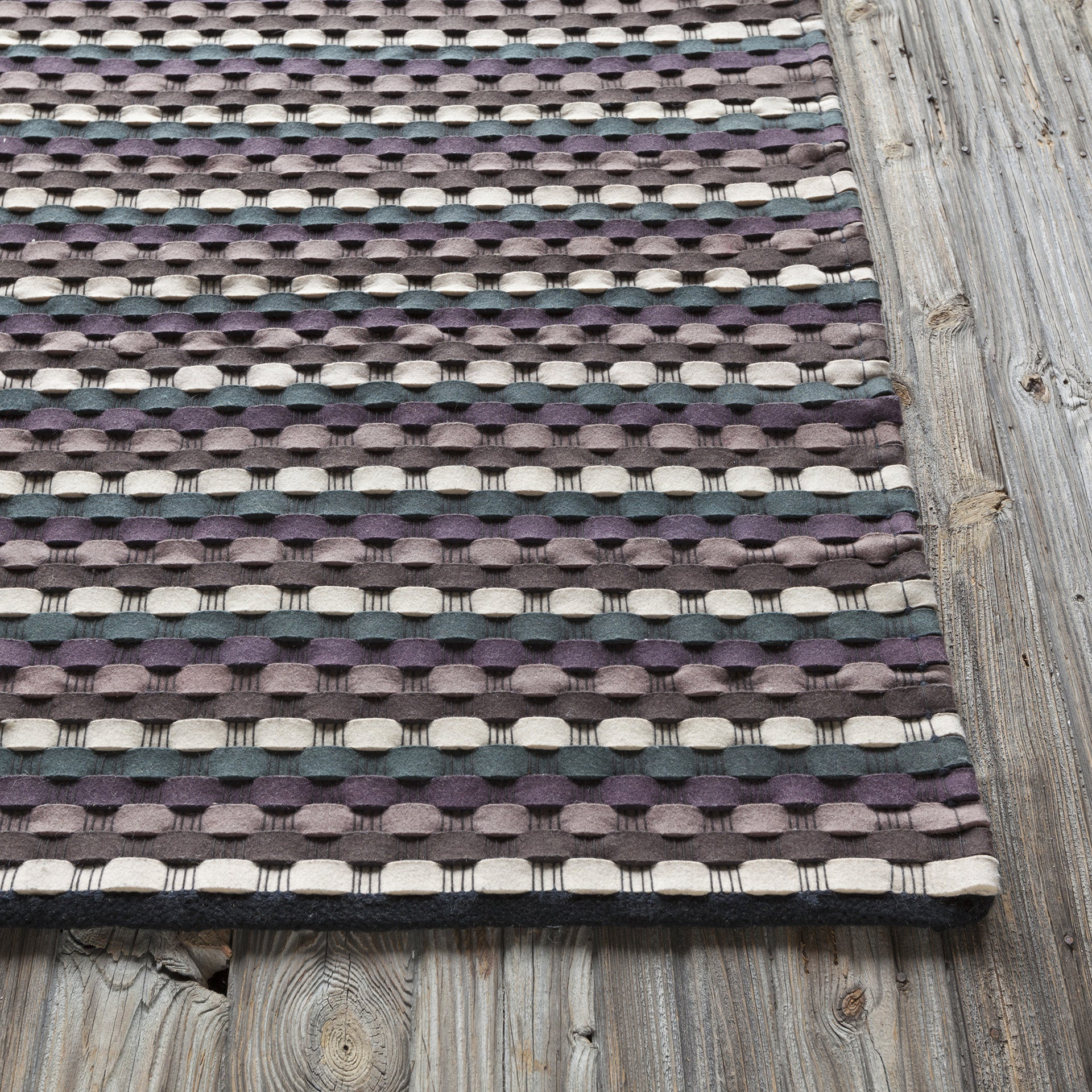 Dalamere Collection Hand Woven Area Rug In Charcoal Brown Purple