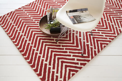 Davin Collection Hand-Tufted Area Rug in Red & White