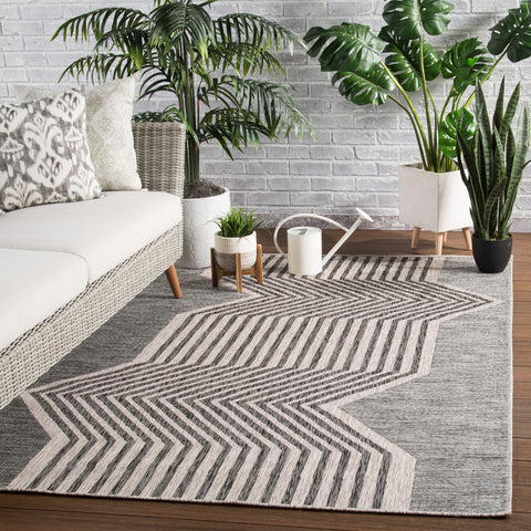Minya Indoor/ Outdoor Geometric Gray Area Rug