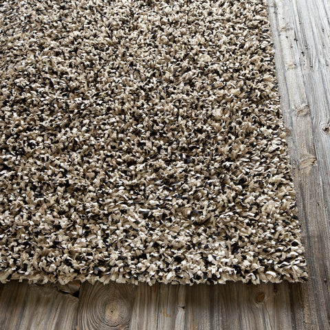 Etop Collection Hand-Woven Area Rug in Ivory & Black design by Chandra rugs