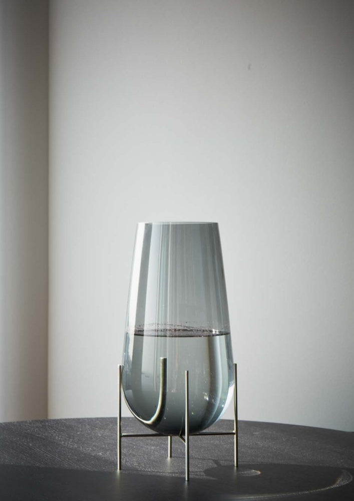 Echasse Vase design by Menu