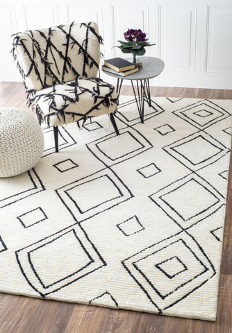 Hand Tufted Dawne Rug in Natural design by NuLoom