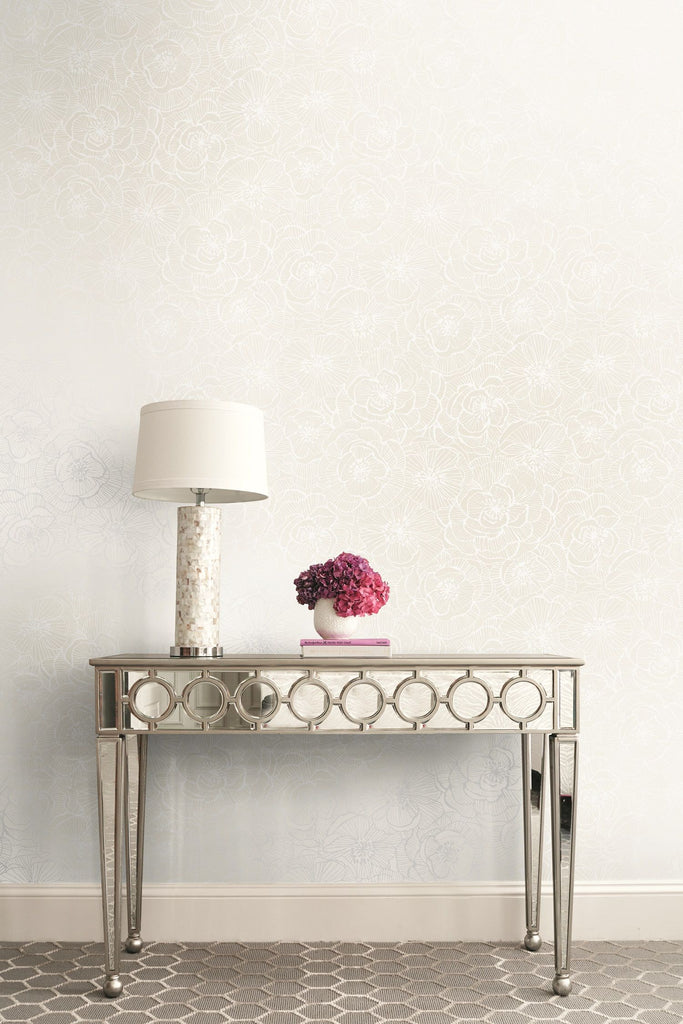 Graphic Floral Wallpaper from the Casa Blanca II Collection by Seabrook Wallcoverings