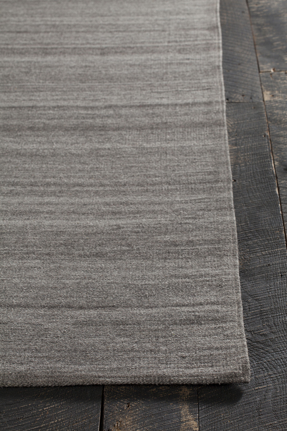 Hedonia Collection Hand Woven Area Rug In Dark Grey Design
