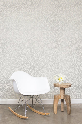 Hoya Wallpaper in Diamonds and Pearls on Cream design by Juju