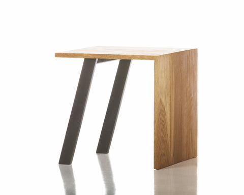 Jesse Beauchamp Collection End Table in Grey design by Chandra rugs