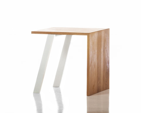 Jesse Beauchamp Collection End Table in White design by Chandra rugs