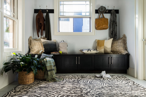 Juneau Rug in Charcoal & Silver by Loloi