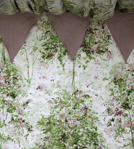 Lochwood Wallpaper in Green and Coral by Nina Campbell for Osborne & Little