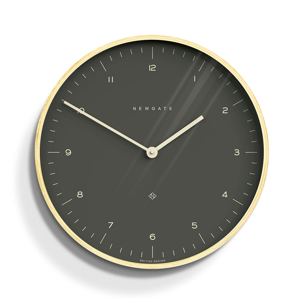 Mr Clarke Clock In Oil Grey