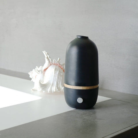 Ona Aromatherapy Nebulizing Essential Oil Diffuser design by EKOBO