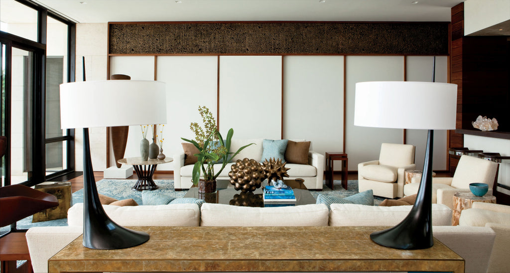 Outside the Box: An Interior Designer's Innovative Approach to Creating Chic and Comfortable Rooms by Pointed Leaf Press