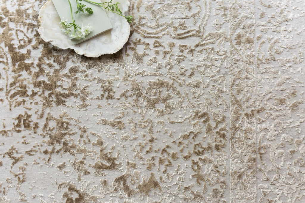 Patina Rug in Champagne & Light Grey by Loloi