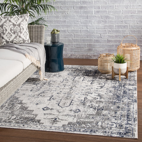Isolde Medallion Rug in Pumice Stone & Flint Gray design by Jaipur