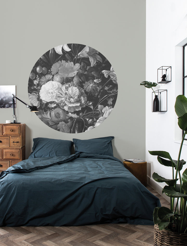 Small Wallpaper Circle in Golden Age Flowers 009 by KEK Amsterdam