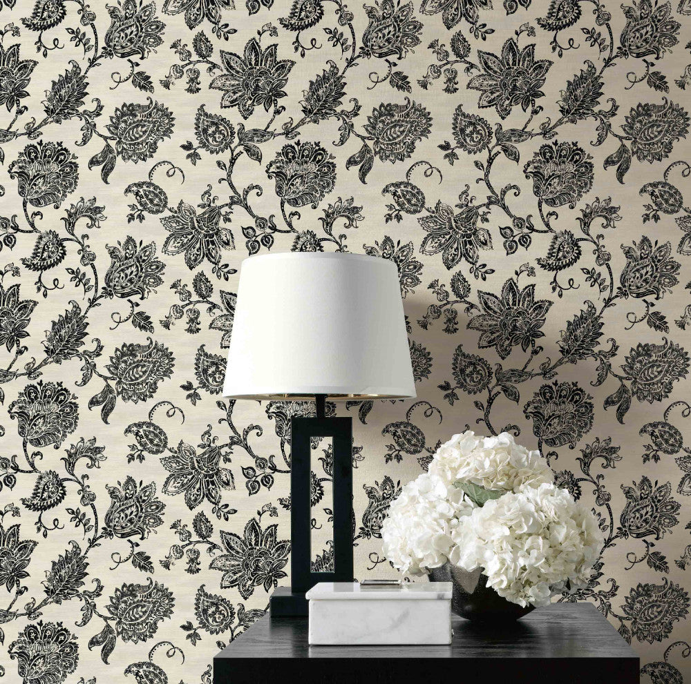 Stamped Jacobean Wallpaper from the Nouveau Collection by Wallquest