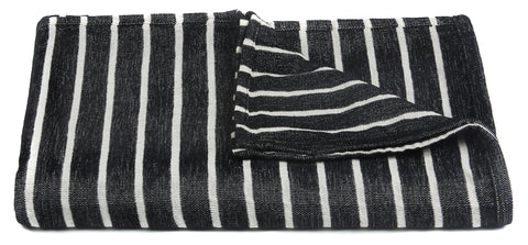 Aria Collection Throw in Black & White design by Chandra rugs