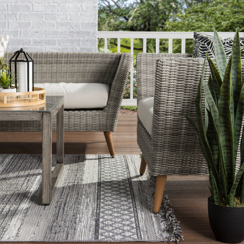Cote Indoor/ Outdoor Trellis Gray/ Light Gray Rug by Jaipur Living