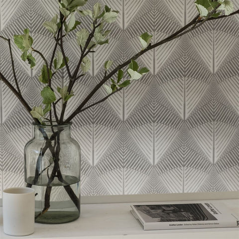 Veren Wallpaper from the Tulipa Stellata Collection by Designers Guild