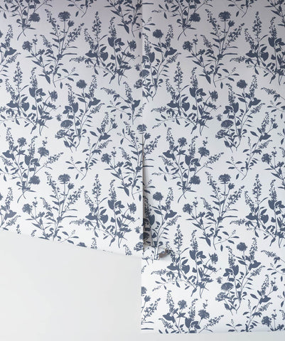 Wildflower Wallpaper in Signature from the Wallpaper Republic Collection by Milton & King